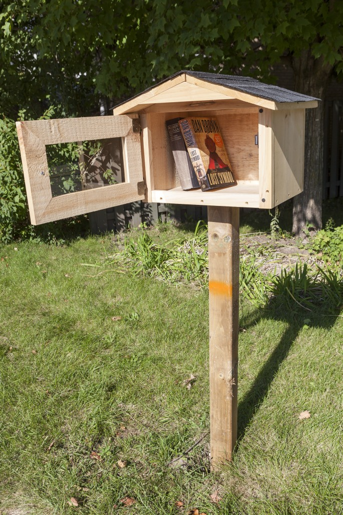 pop-up-libraries-ONLINE-Jessica-Dik-2-685x1028