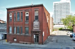 Use it or Lose it? On Preserving Empty Heritage Buildings